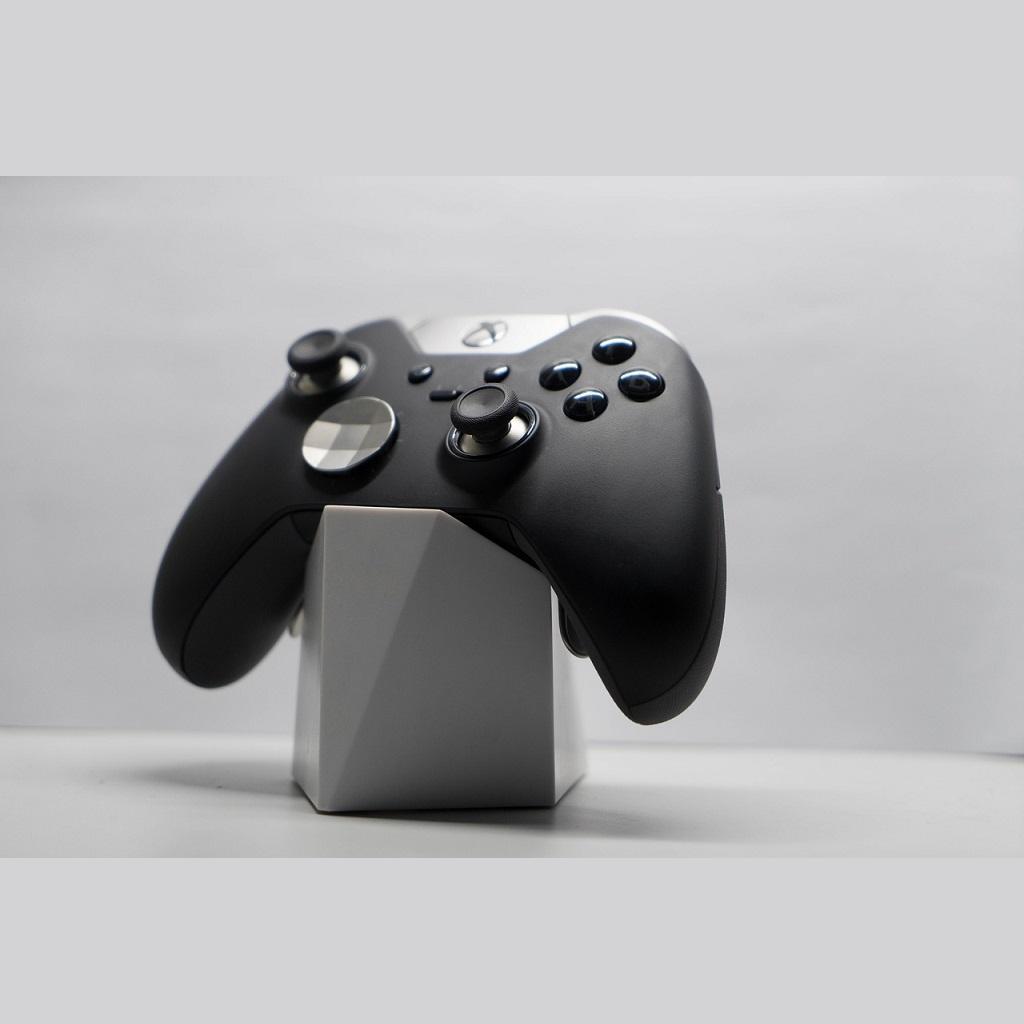 Class Action contro Microsoft per problemi controller Elite 2 Xbox One