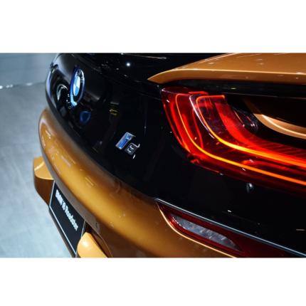 Ibridi plug-in BMW: richiamati molti modelli per pericolo incendio