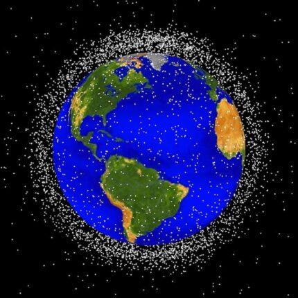 Detriti spaziali: Starship di SpaceX aiuta a pulire la spazzatura in orbita