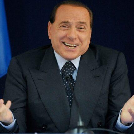 Berlusconi insiste sulla collaborazione con il governo