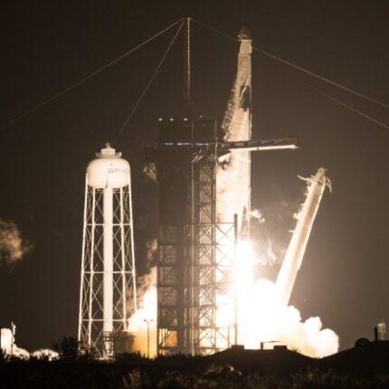 Lancio della missione Crew-1