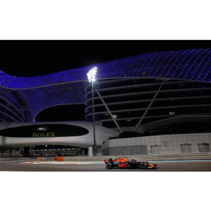 Max Verstappen vince il GP di Abu Dhabi. A podio Bottas e Hamilton