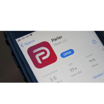 Amazon banna Parler: social rimosso da Google Play Store e App Store