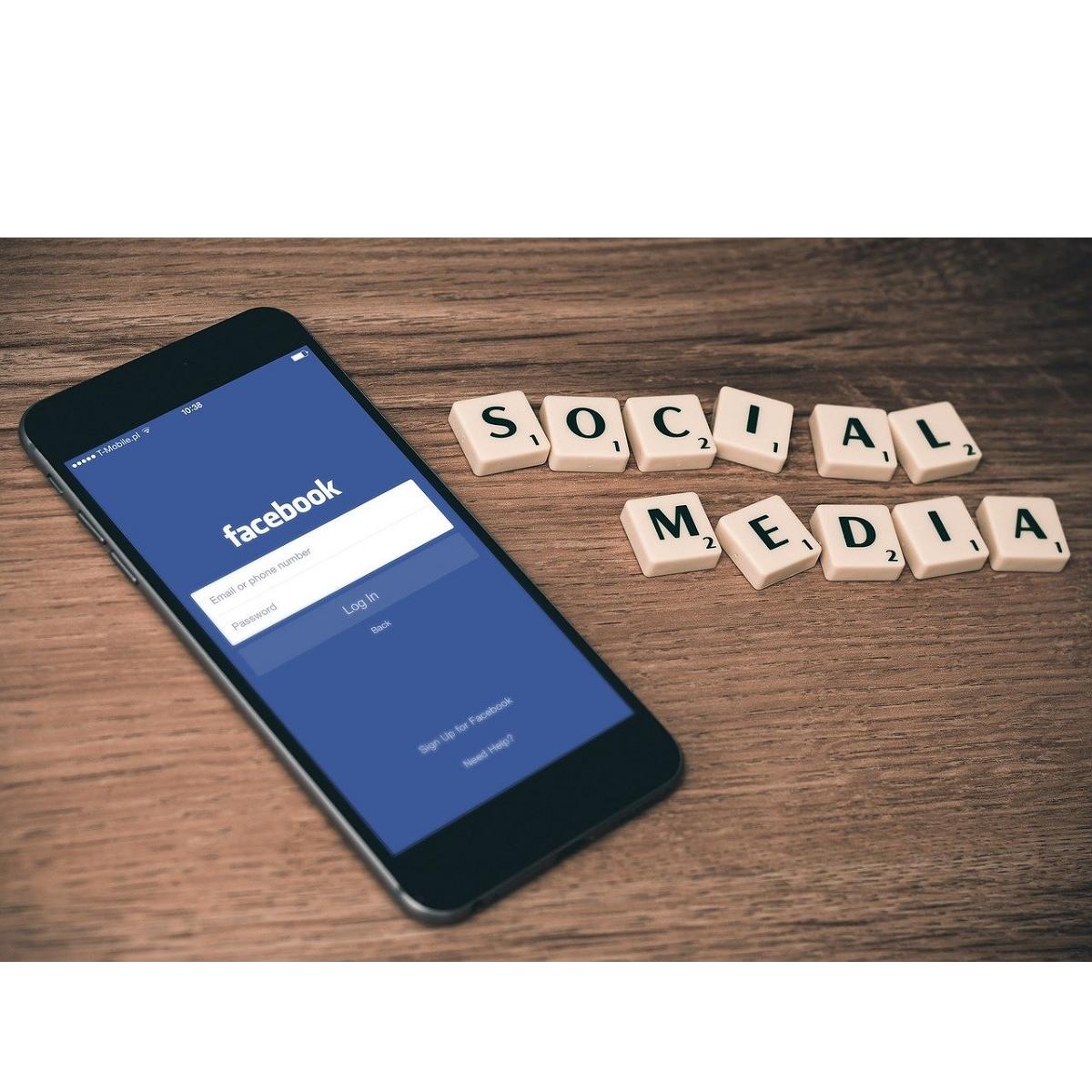Facebook su iPhone: logout automatico degli utenti nella notte