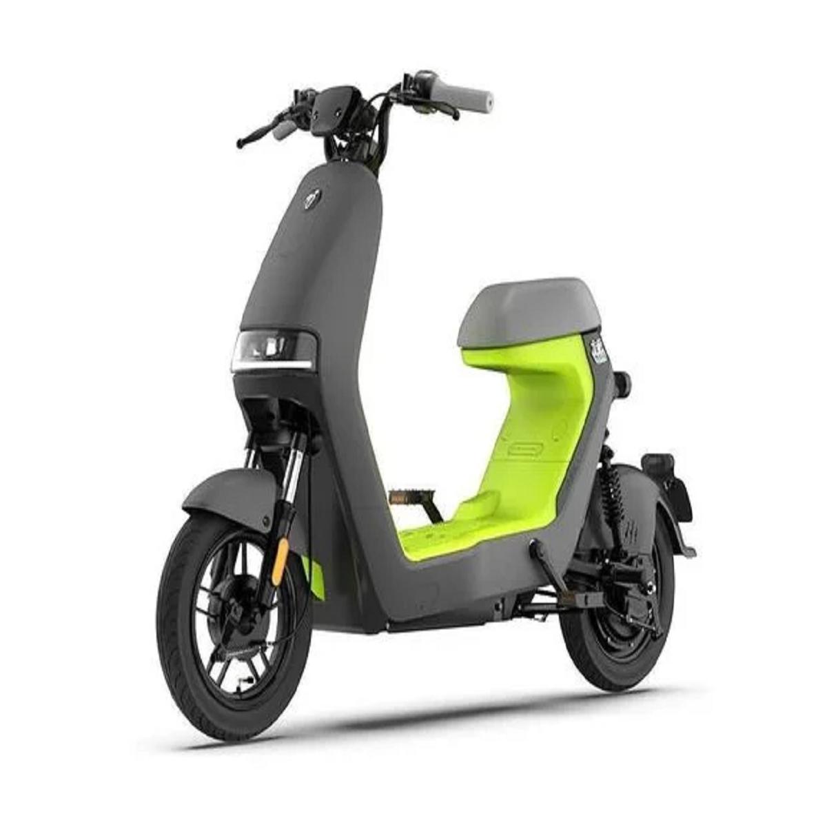 Ninebot A30C: lo scooter economico di Piaggio a meno di 300 euro