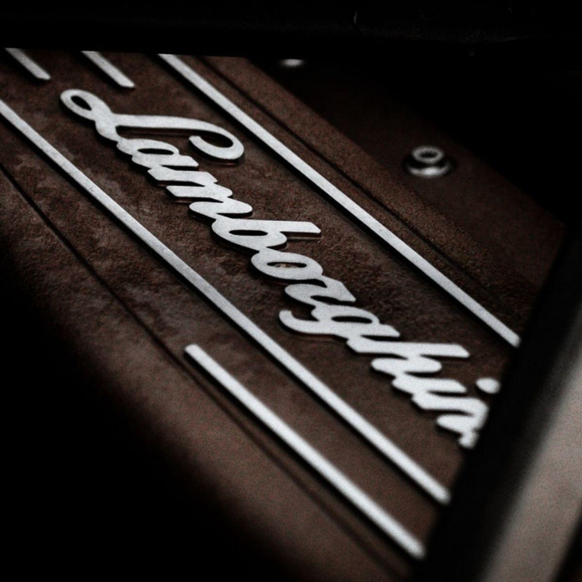 50 anni di Lamborghini Miura SV