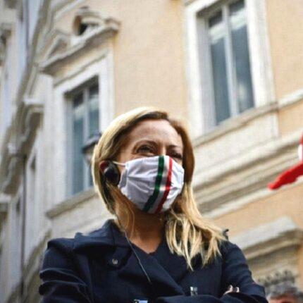 """Giorgia Meloni contro Letta e lo Ius Soli: """"La sinistra pensa a tutti, tranne che agli italiani"""""""
