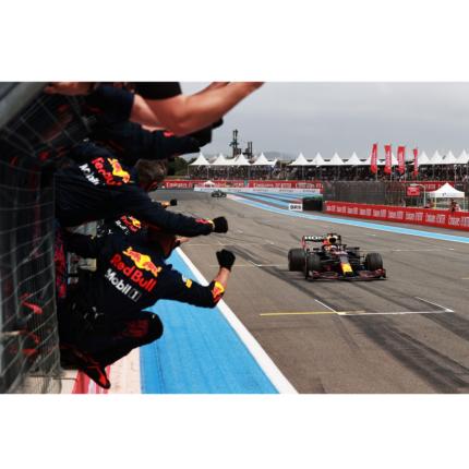 Max Verstappen vince un Gran Premio della Francia tirato fino all'ultimo giro