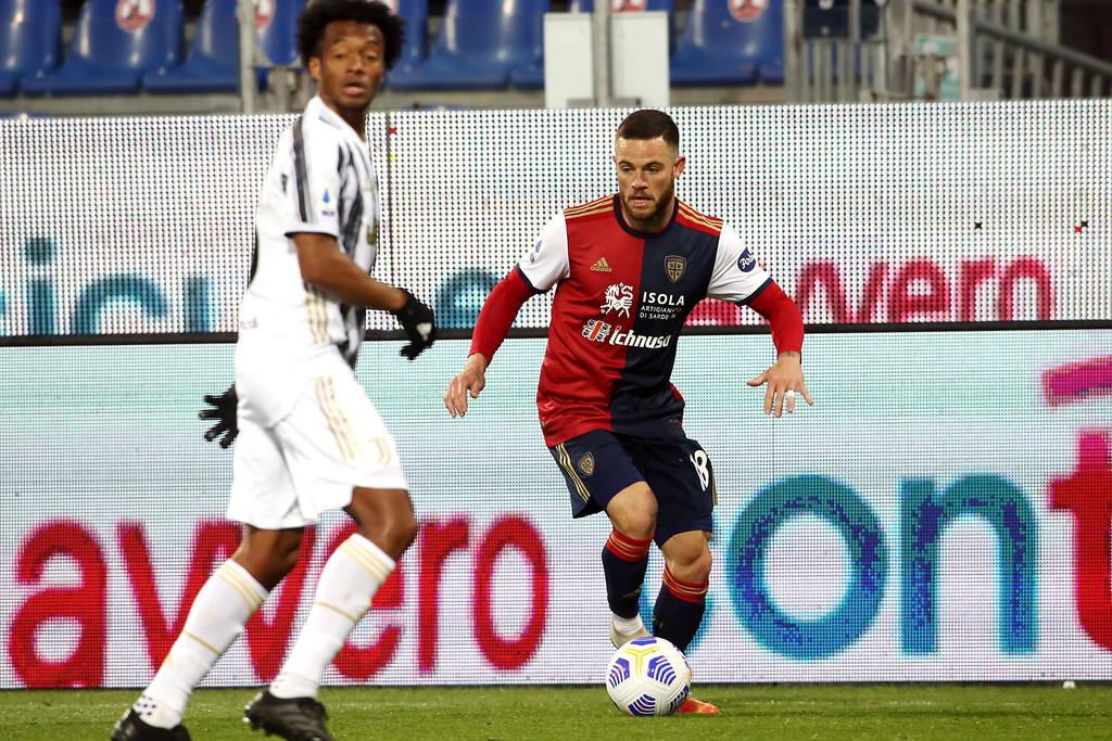 Inter Nandez, il centrocampista del Cagliari spinge per la cessione